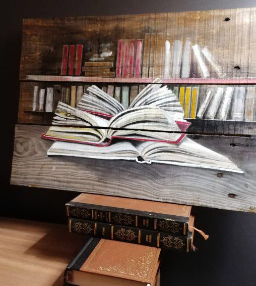 Peinture sur palette en bois de Livres ouverts