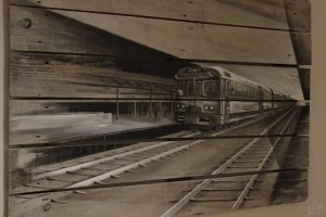 Palette peinte par Gilles Lavie - Train en perspective